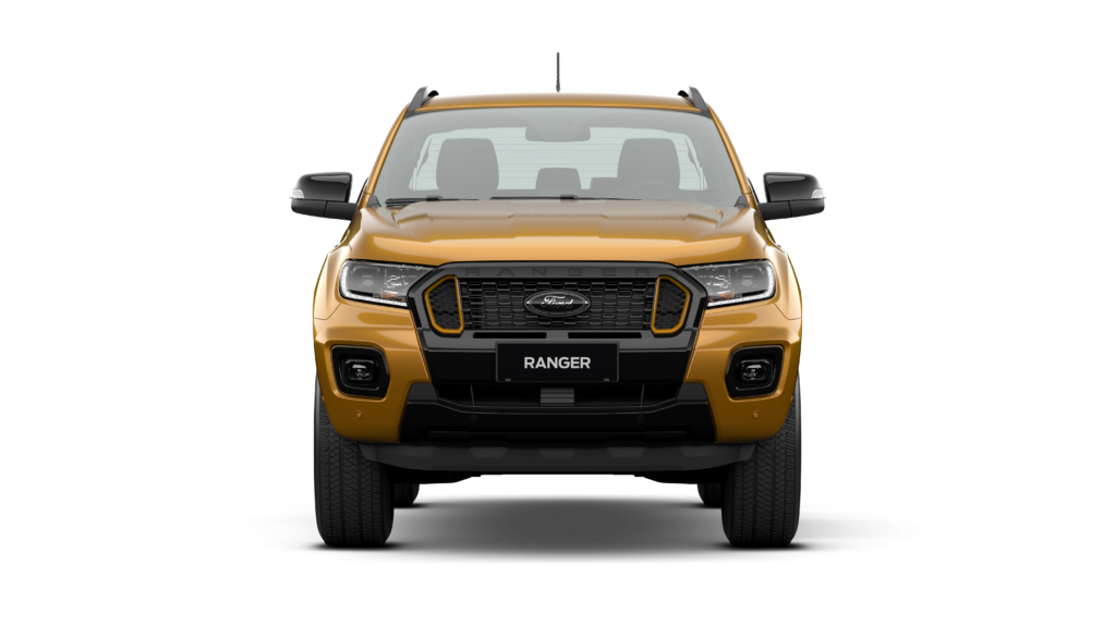 P375ICA2_PH_04_WILDTRAK-4x4_DBL_PU_2000_AT_Saber_02_FRONT.png
