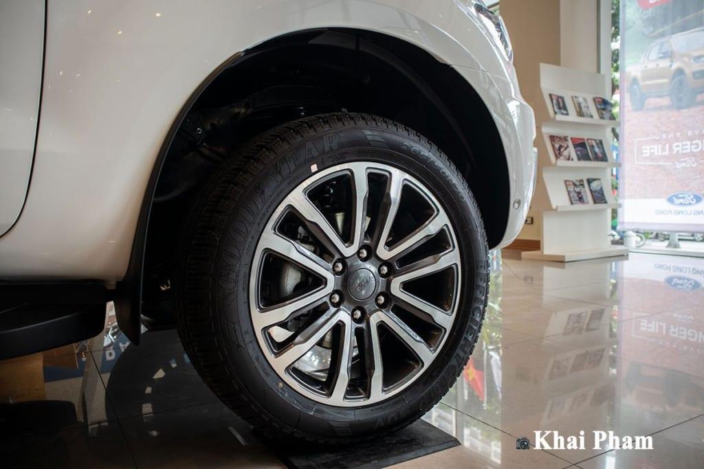 danh-gia-xe-ford-everest-2021-oto-com-vn-50-be3c.jpg