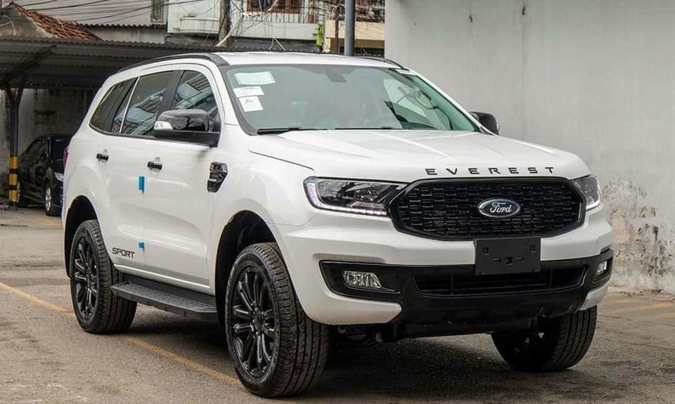 Ford Everest Sport 2.0L Turbo 4×2 AT
